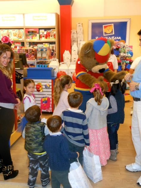 Inauguración de Build-A-Bear Perisur Cortesía