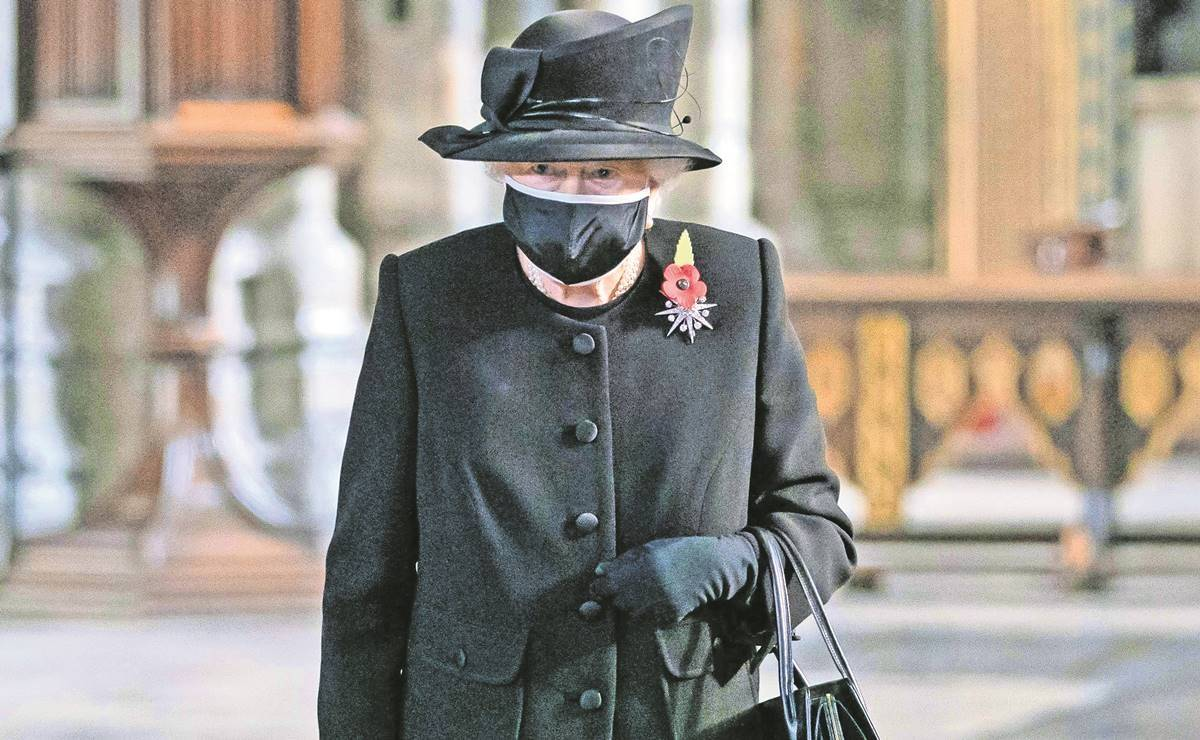 reina isabel, principe harry, meghan harry