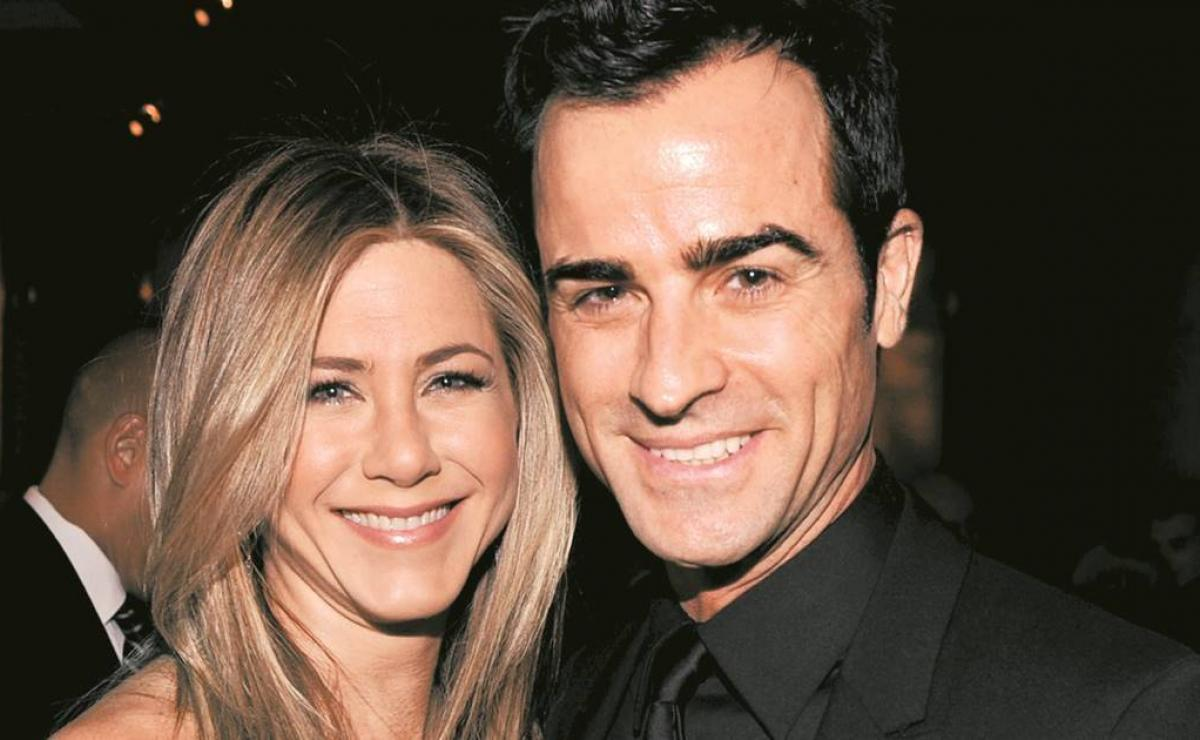 jennifer aniston, jennifer aniston justin theroux, jennifer aniston thanksgiving day, jennifer aniston enchiladas