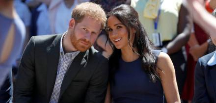 principe harry, principe harry amigos, meghan markle y harry amigos