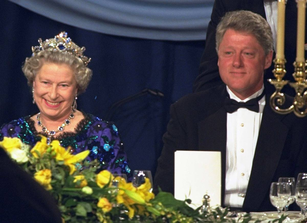 bill clinton reina isabel