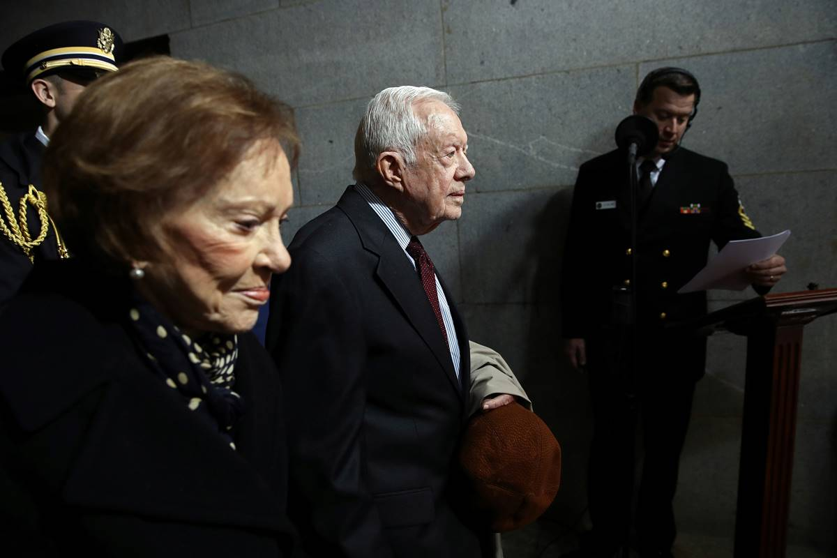 jimmy carter hemorragia, jimmy carter enfermo